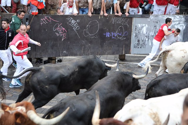 Sexto encierro de Sanfermines con toros de Victoriano del Río.