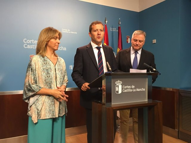 Los diputados del PP en rueda de prensa
