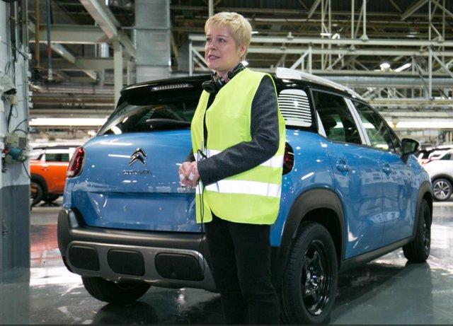 Consejera delegada de Citroën, Linda Jackson, en la planta de PSA en Figueruelas