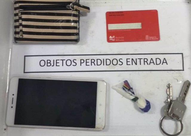 Entregan una bolsita de cocaína en objetos perdidos de la Policía Foral.