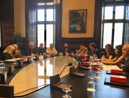 El Parlament encarga un informe a los letrados sobre la suspensión de diputados