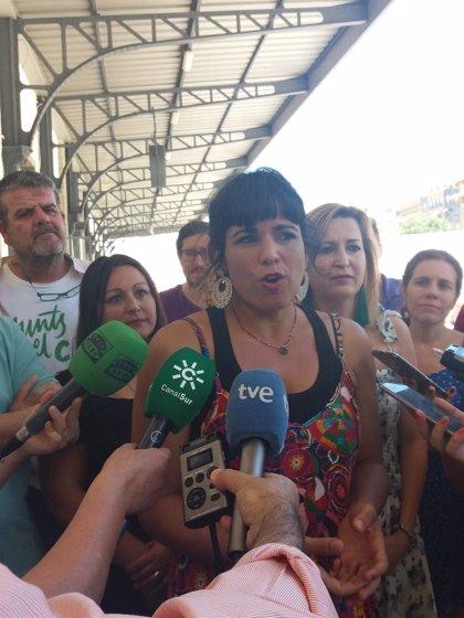 """Teresa Rodríguez replica a Echenique que se """"cortaba las manos antes de hacer desaparecer"""" Podemos Andalucía"""