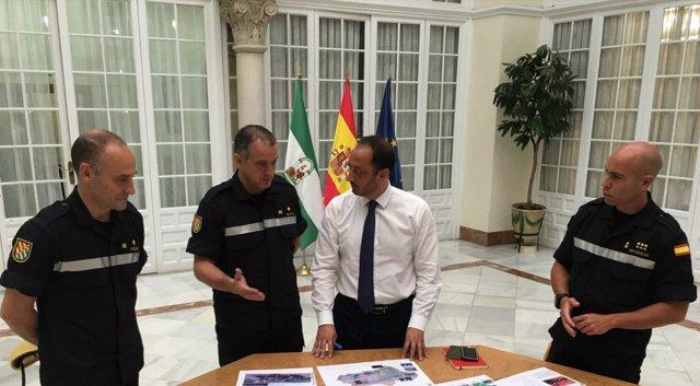 El delegado del Gobierno en Andalucía se reúne con representantes de la UME