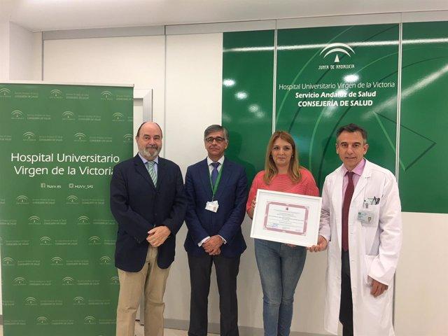 Delegada salud recoge certificado excelencia nacional endocirugía cardiovascular