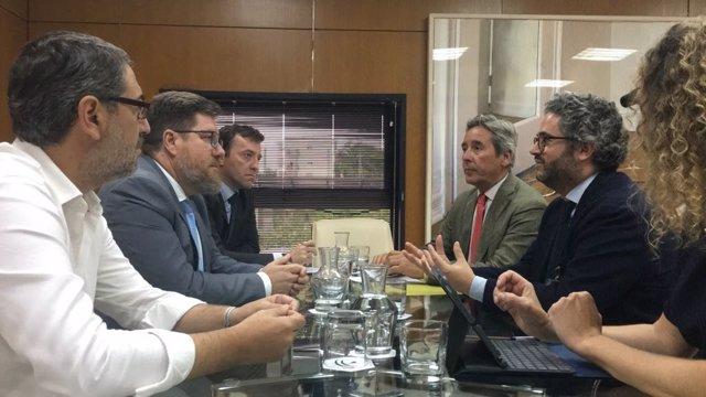 El consejero Rodrigo Sánchez Haro despacha con los representantes de Asemesa.
