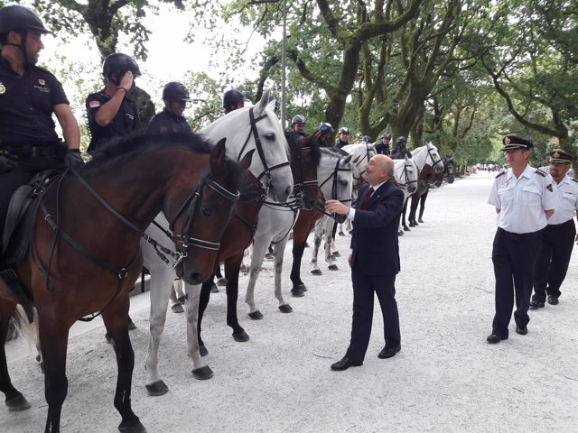 Javier Losada en el acto de presentación de las unidades de la Policía Nacional