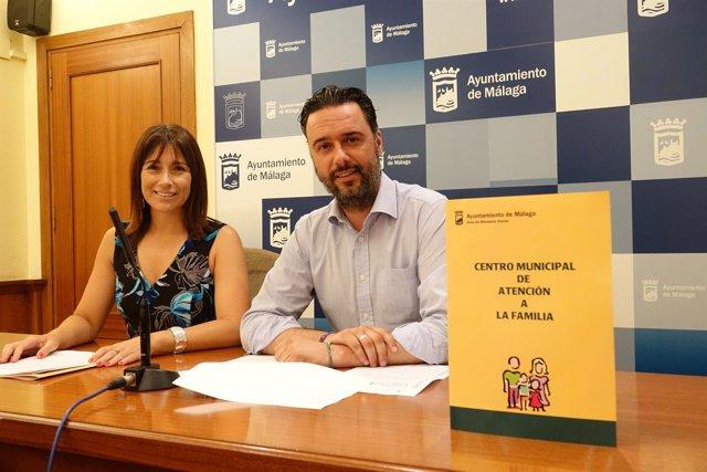 Raúl jiménez concejal derechos sociales con ruth sarabia directora general málag