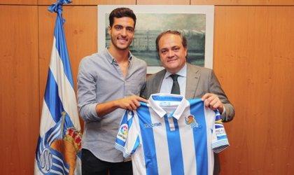 Mikel Merino firma con la Real Sociedad hasta 2023