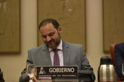 """Fomento exigirá a Abertis e Itínere que entreguen en """"adecuado estado"""" las autopistas que vencen"""