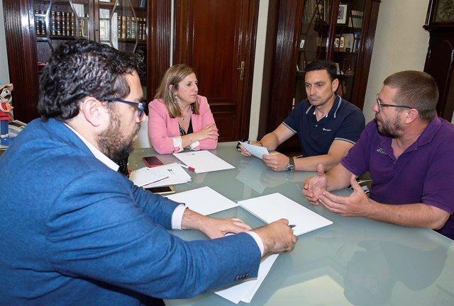 Irene García con el comité de empresa de Navantia San Fernando