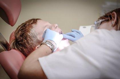 Los ortodoncistas aconsejan a los padres llevar en verano a los hijos de 6 años a la primera revisión
