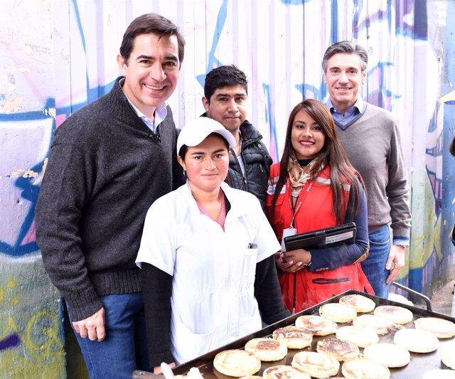 Carlos Torres Vila y Javier M Flores visitan a emprendedores