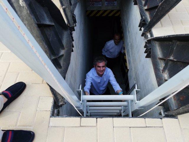 Del Amor en las instalaciones del tanque ambiental