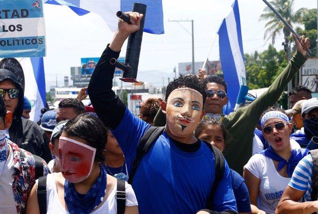 Manifestación en Managua para reclamar la renuncia de Ortega