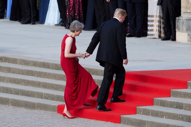 Donald Trump se reúne en Londres con Theresa May