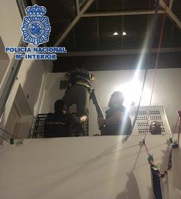 """Policía Nacional Nota De Prensa """"La Policía Nacional Detiene A Seis Personas Tra"""