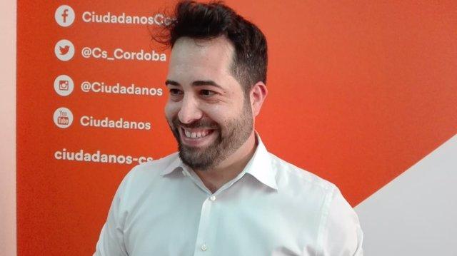 Fran Carrillo en la sede de Cs en Córdoba