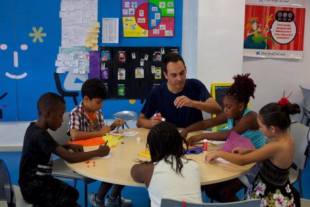 La Obra Social 'la Caixa' ayuda a luchar contra pobreza infantil y exclusión