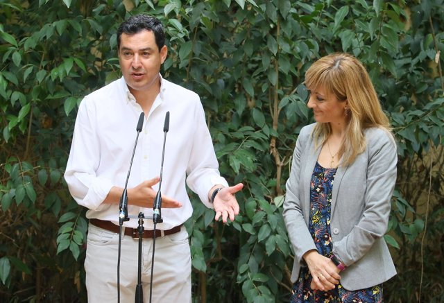 Juanma Moreno y Carmen Castilla
