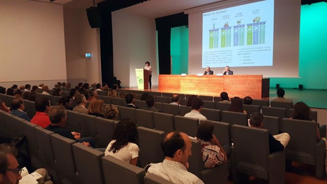 Iñaki Arriola presenta el perfil ambiental 2017
