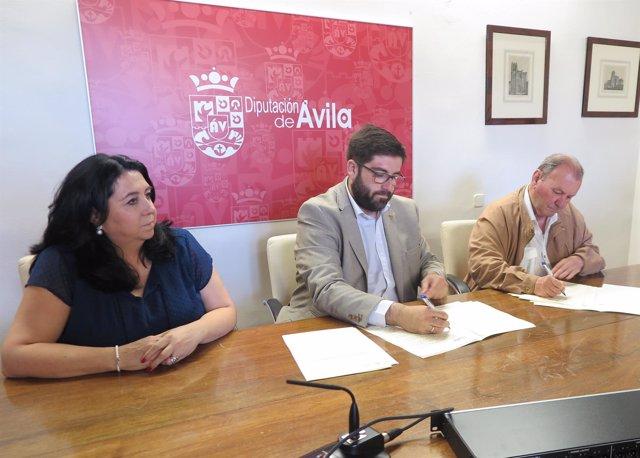 Sánchez Cabrera (C) Durante La Firma 13-7-2018