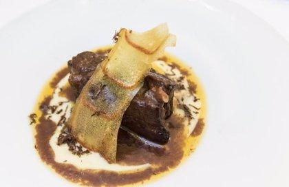 El 28% de los turistas que llegan a Cáceres lo hacen atraídos por su gastronomía
