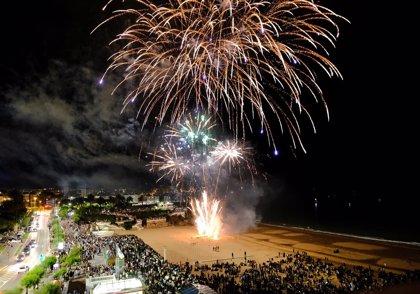 Los primeros fuegos artificiales del verano, este sábado en los Baños de Ola