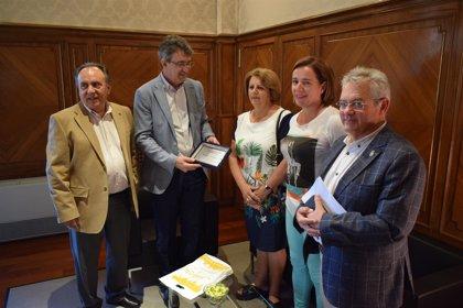 Medalla de Oro de la provincia a las Casas de León en Buenos Aires y La Habana