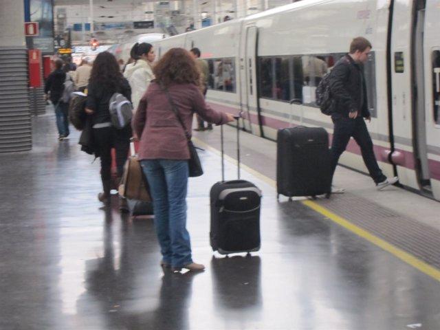 Viajeros En Un Tren