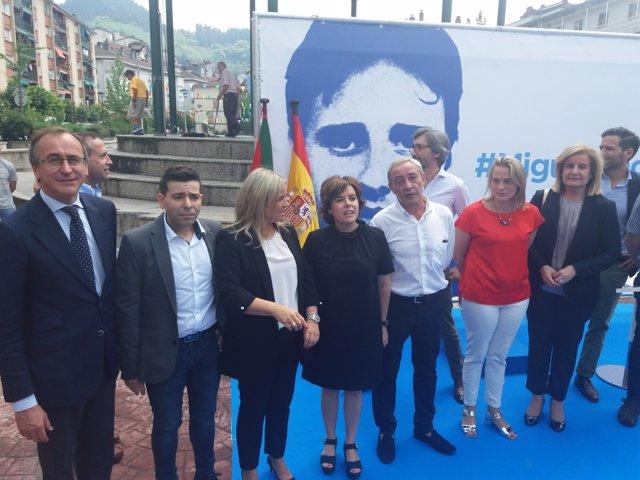 Soraya Sáenz de Santamaría en el homenaje de Ermua