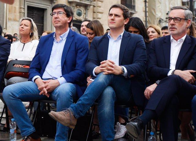 Juan Marín, Albert Rivera y José Manuel Villegas, en un acto de Cs
