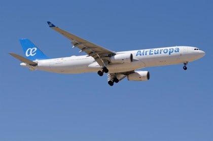 """Air Europa prevé una """"avalancha"""" de venta de billetes tras el aumento del descuento al 75%"""