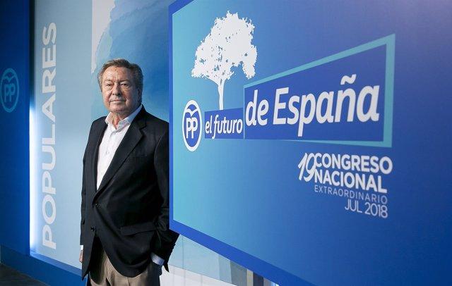LUIS DE GRANDES EN RUEDA DE PRENSA SOBRE LOS DETALLES DEL CONGRESO DEL PP