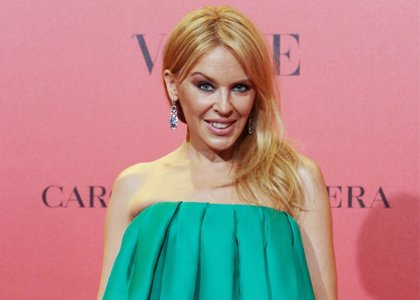 """Kylie Minogue rendida ante el físico de su ex, Andrés Velencoso: """"Es muy guapo... ¡Qué hombre!"""""""