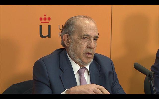 El director del máster de Cifuentes admitió haber hecho el 'gilipollas' cuando salió en rueda de prensa, según Perelló