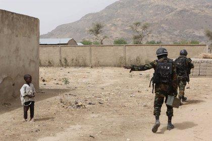 AI reúne pruebas de la ejecución de dos mujeres y dos niños a manos de militares camerunenses
