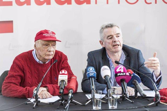 Niki Lauda junto a Michael O'Leary en rueda de prensa del 28 de marzo de 2018.