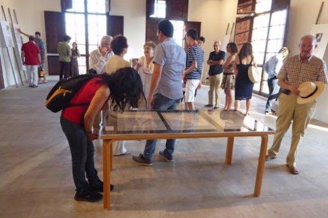 La exposición reúne dibujos originales y material inédito.