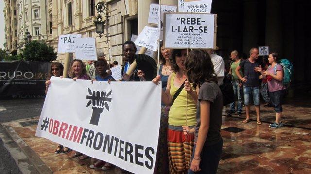 Distintos colectivos participantes en la Caravana Abriendo Fronteras