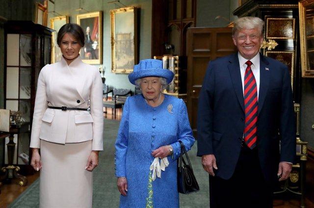 La reina Isabel II con Donald y Melania Trump