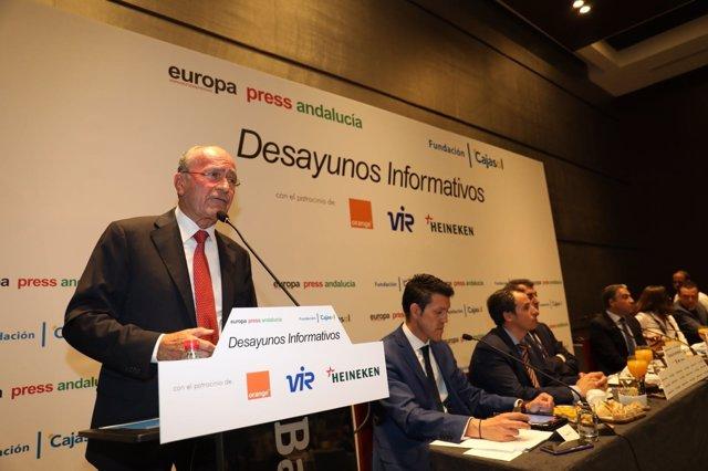 El alcalde de Málaga, Francisco de la Torre en desayunos europa press