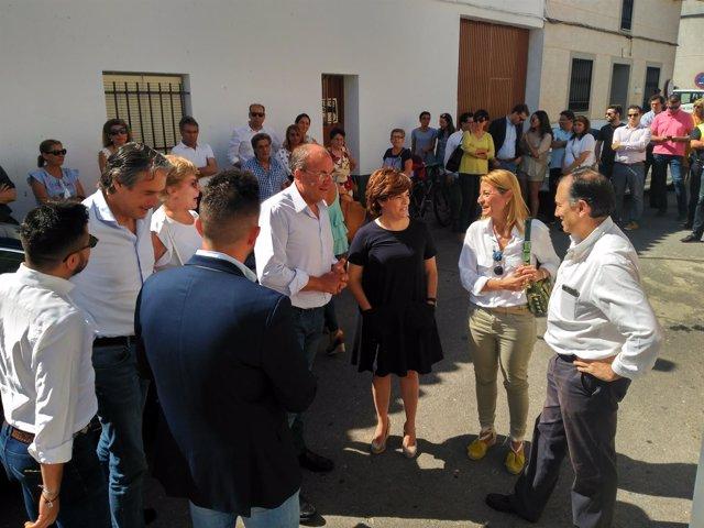 Santamaría dialoga con Monago y Nevado en Madrigalejo
