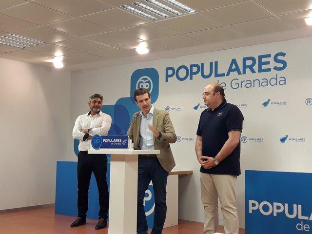 El candidato a la presidencia del PP, Pablo Casado, en Granada