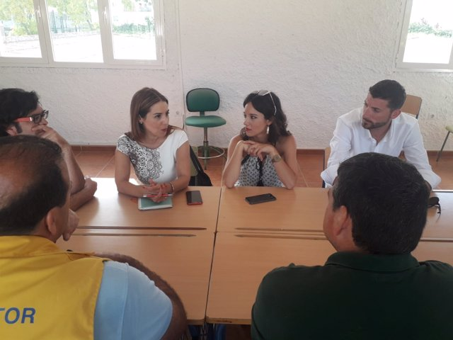 Reunión del PSOE-A y JSA con asociaciones en Rota (Cádiz)