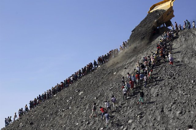 Mineros de jade en Kachin