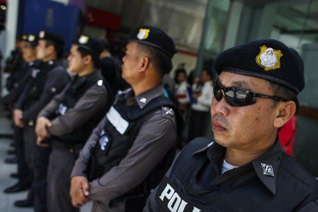 Policías en Bangkok, Tailandia