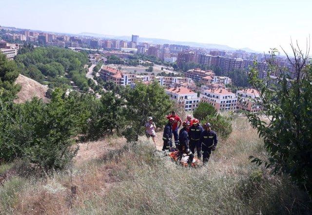 Valladolid.- Los bomberos rescatan a un ciclista en Las Contiendas