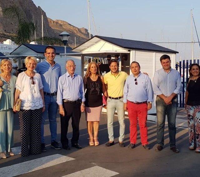 Visita de alcaldes de Almería y Roquetas al Mercado del Mar de Aguadulce