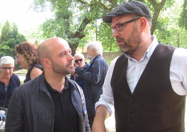 El alcalde de Santiago, Martiño Noriega,y el portavoz de En Marea, Luís Villares