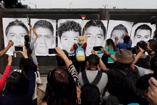 México frena la comisión de la verdad del caso Ayotzinapa